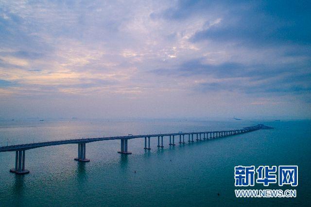 港珠澳大桥今日开通 新华社记者带你探营世界最长跨海大桥