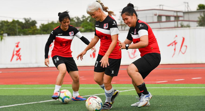 听障女孩们的足球梦