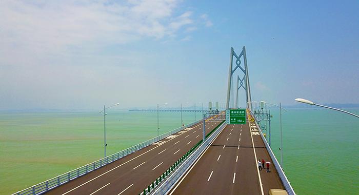 """信息""""大桥""""连通港珠澳 铁塔共享经济模式助推基建绿色路"""